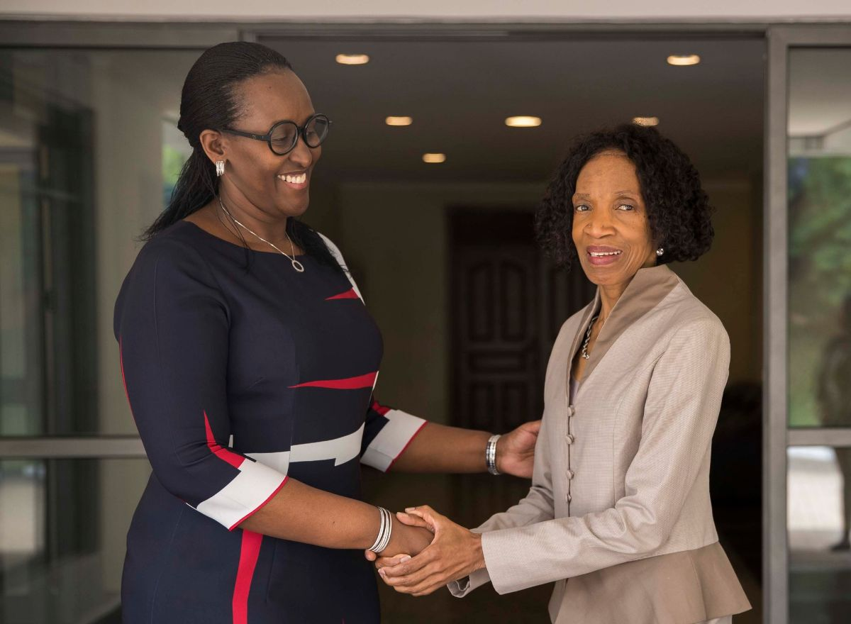 Dr. Simelala with the 1st Lady of the Republic of Rwanda, Mrs. Jeannette Kagame