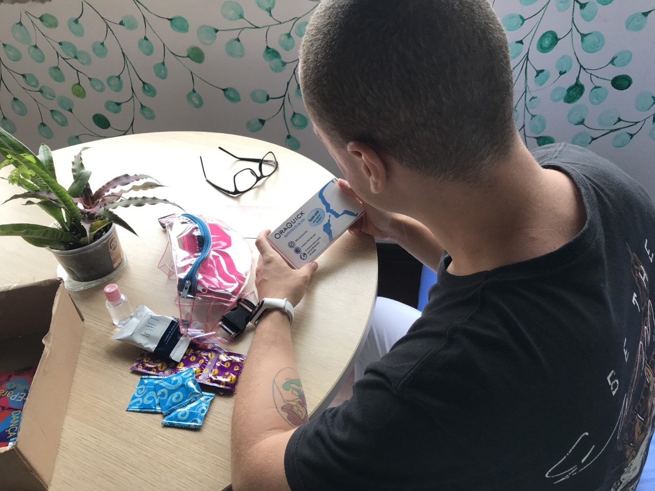 A PrEP1519 participant receives a home-based HIV prevention kit during COVID-19 lockdown.