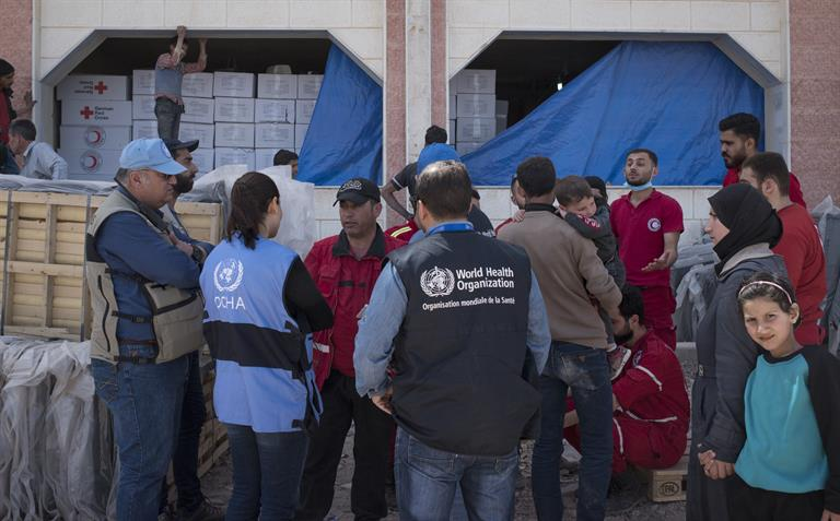 WHO and partners work together to conduct an assessment at an informal settlement hosting families displaced from East Ghouta