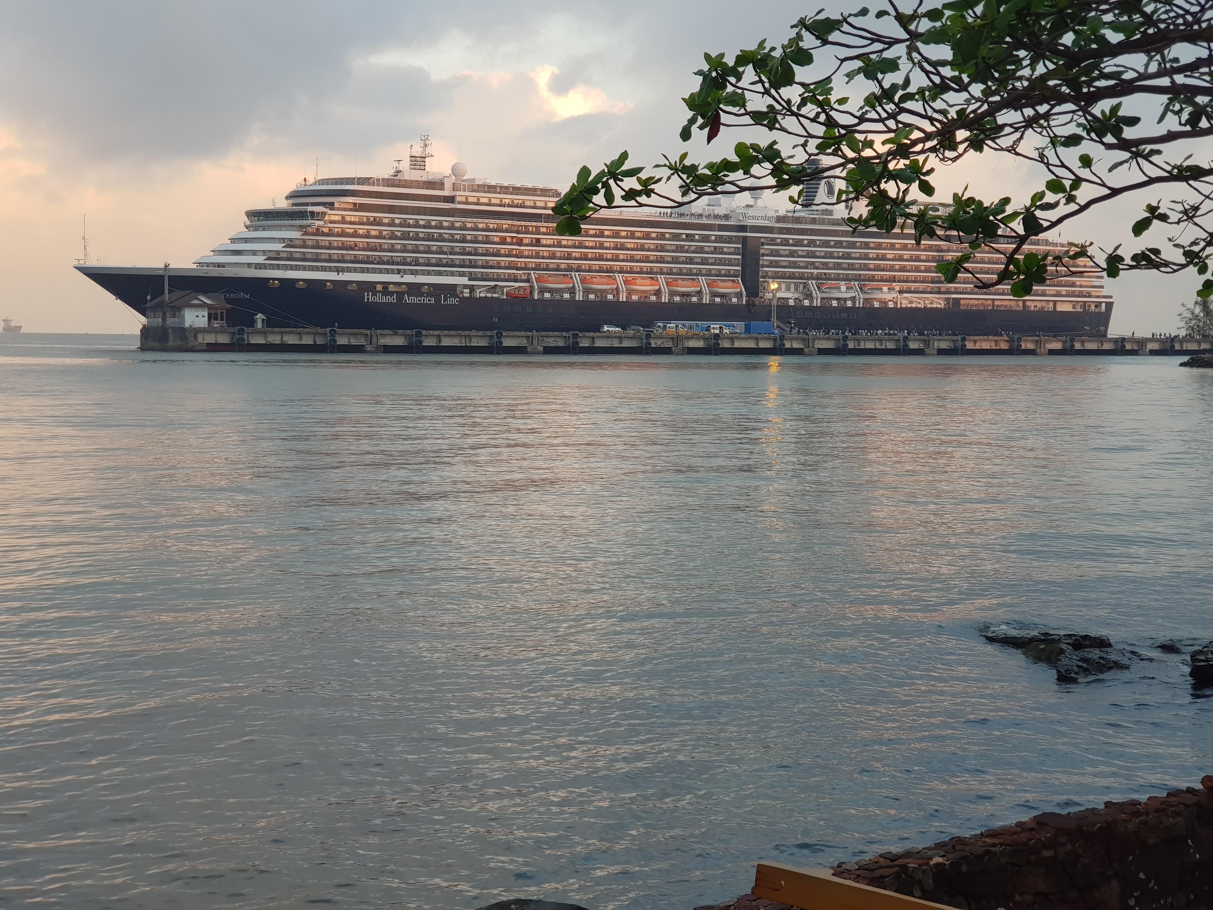 140220-kh-westerdam-cruise-ship